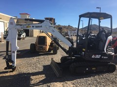 Excavator-Track :  Bobcat E32I T4