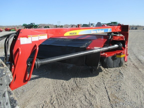 2009 New Holland H6830 Disc Mower For Sale