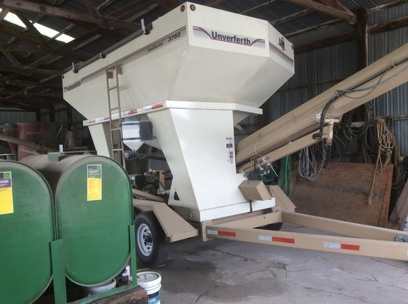 2010 Unverferth 3750 Seed Tender For Sale