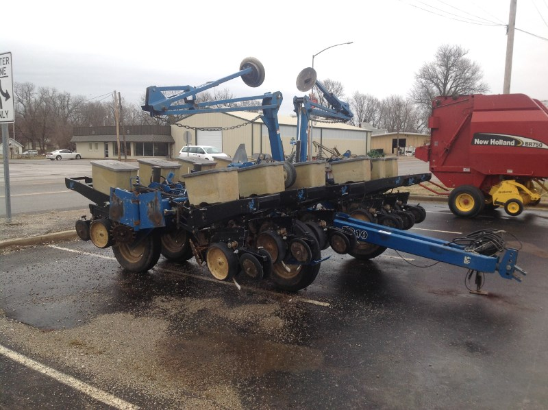 1998 Kinze 2210 Planter For Sale