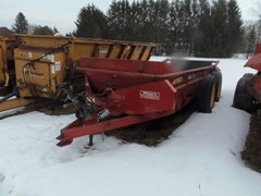 Manure Spreader-Dry/Pull Type For Sale 2011 New Holland 185