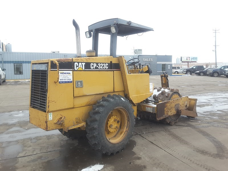 2000 Caterpillar CP323C Compactor For Sale