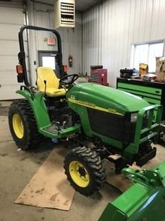 Tractor For Sale 2003 John Deere 4210 , 28 HP
