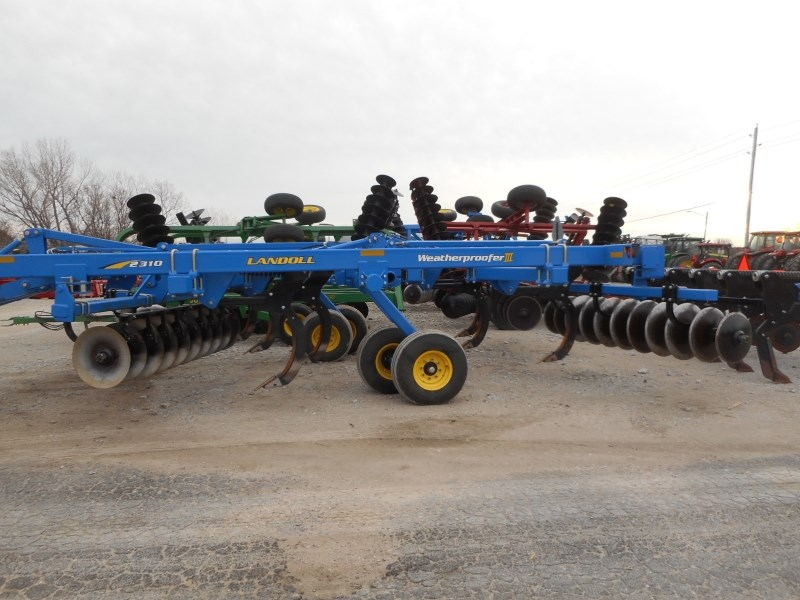 2013 Landoll 2310 WPIII-7 Disc Chisel For Sale