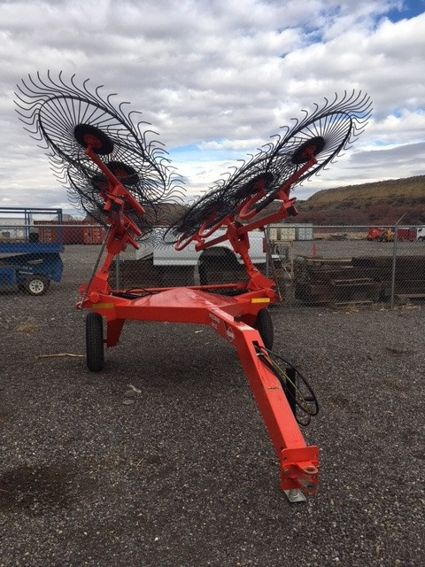 2013 Kuhn SR112 Hay Rake-Wheel For Sale