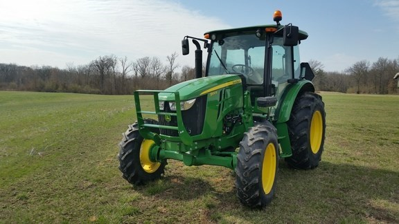 2017 John Deere 5100E Tractor For Sale