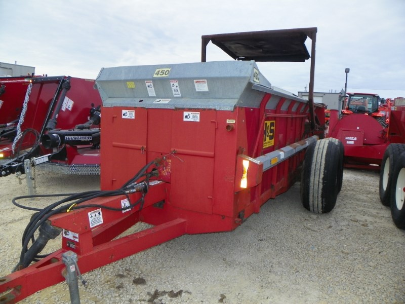 2003 H & S 450 Manure Spreader-Dry/Pull Type For Sale
