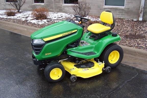 2015 John Deere X320 Riding Mower For Sale