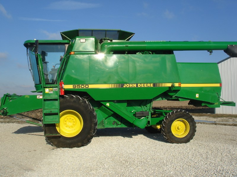 1991 John Deere 9500 Combine For Sale
