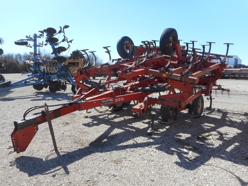 White 226-24 Field Cultivator For Sale