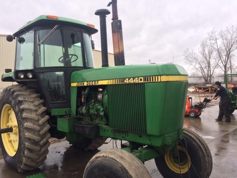 1980 John Deere 4440 Tractor For Sale