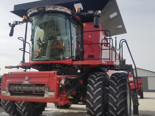 Combine For Sale:  2015 Case IH 8240