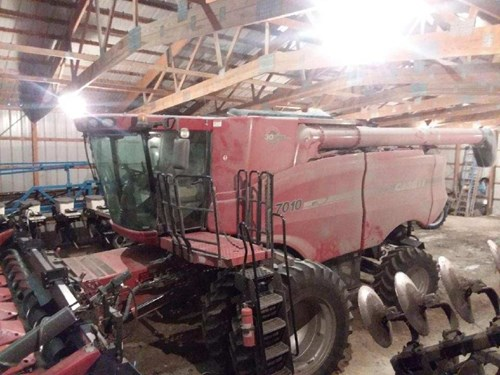 Combine For Sale:  2007 Case IH 7010