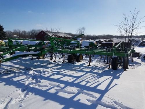 Field Cultivator For Sale:  2013 John Deere 2210