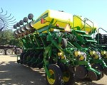 Planter For Sale: 2005 John Deere 1790 16/31