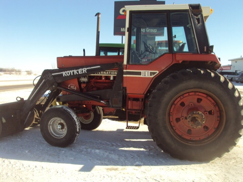 1979 International 1086 Tractor For Sale