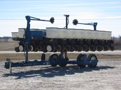 Planter For Sale 2010 Kinze 3500