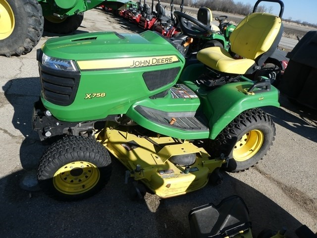 2015 John Deere X758 Riding Mower For Sale