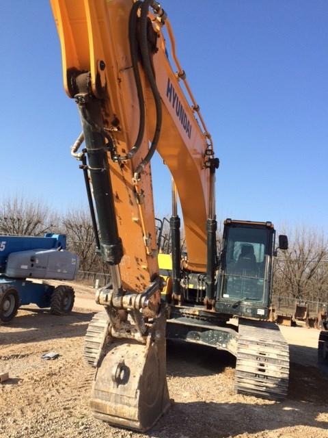 2017 Hyundai HX300 Excavator-Track