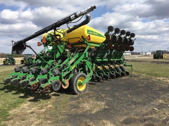 2013 John Deere 1790 Planter For Sale