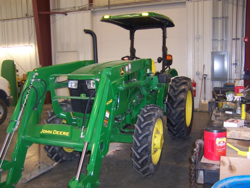 2017 John Deere 5055E Tractor For Sale