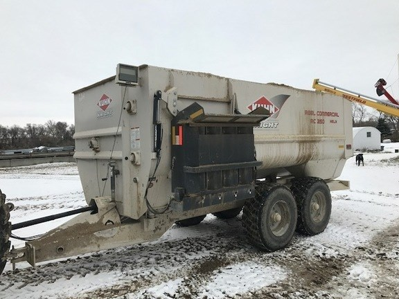 2015 Kuhn Knight RC260 Feeder Wagon-Portable For Sale
