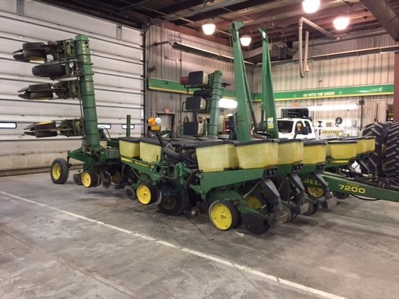 1987 John Deere 7200 Planter For Sale