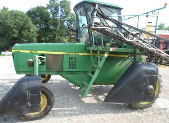 1999 John Deere 6700 Sprayer-Self Propelled For Sale