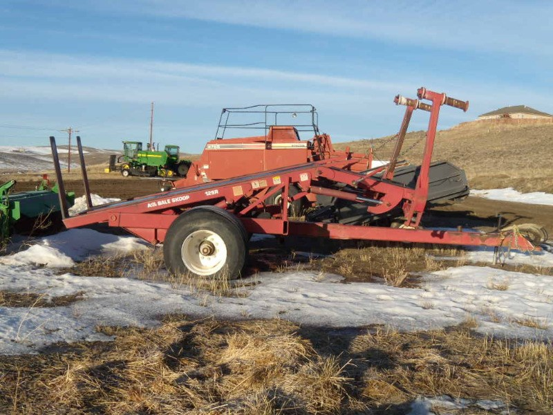 1997 Pro Ag 12SR Bale Wagon-Pull Type For Sale