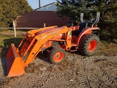 Tractor For Sale 2012 Kubota L3200 , 31 HP