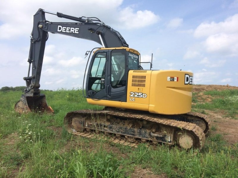 2011 Deere 225D  Excavator-Mini For Sale