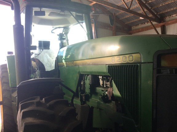1996 John Deere 8200 Tractor For Sale