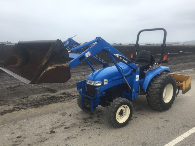 2003 New Holland TC29D Tractor - Compact For Sale