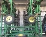 Field Cultivator For Sale: 2007 John Deere 2210