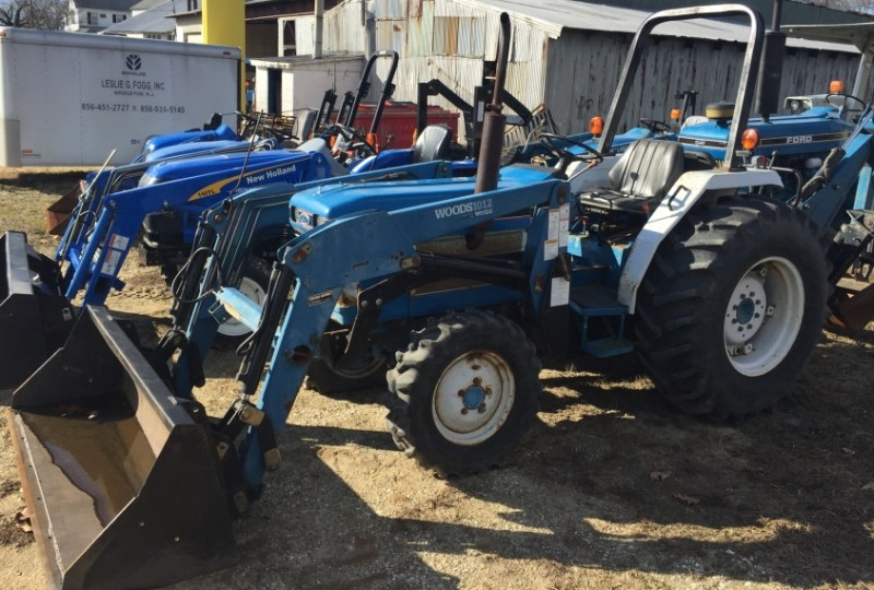 1988 Ford 1920 Tractor - Compact For Sale