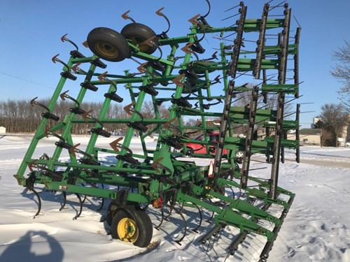 Field Cultivator For Sale:  John Deere 980