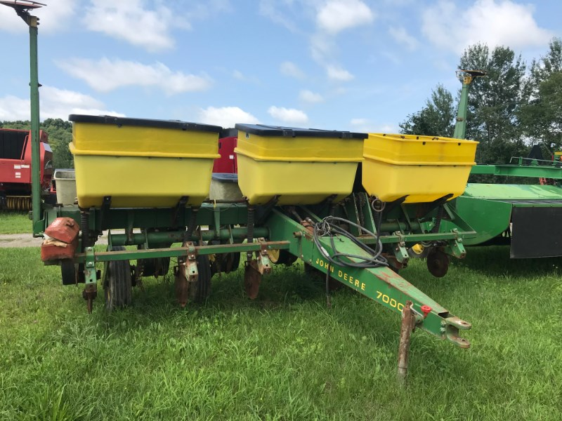 John Deere 7000 Planter For Sale
