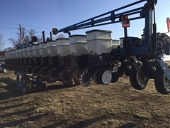 Planter For Sale:  2003 Kinze 3600