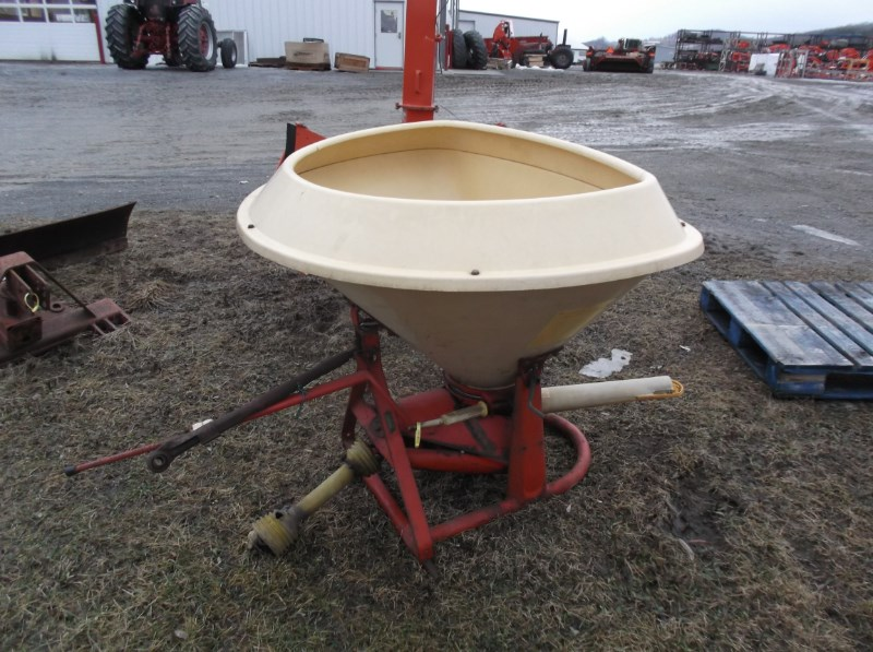Vicon PS 500 Fertilizer Spreader For Sale » Salem and Claverack, NY
