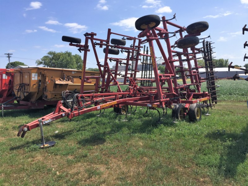 2001 Sunflower 5034-30 Field Cultivator For Sale