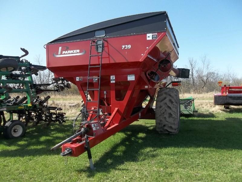 2013 Parker 739 Grain Cart For Sale