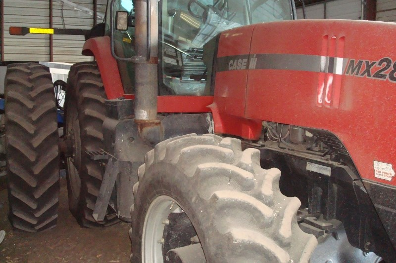 2004 Case IH 285 Tractor For Sale
