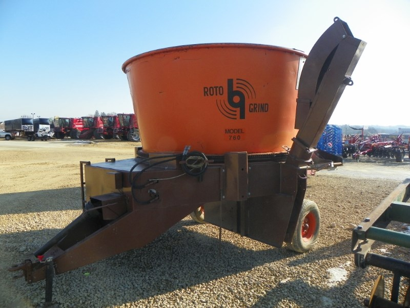 2006 Rotogrind 760 Bale Processor For Sale