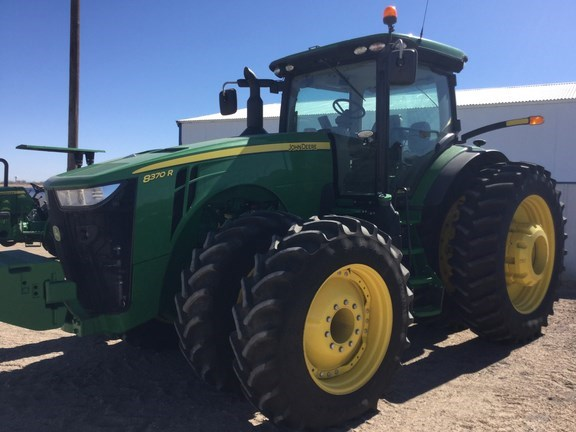2016 John Deere 8370R Tractor For Sale