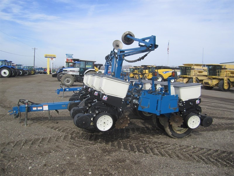 2008 Kinze 3200 Planter For Sale