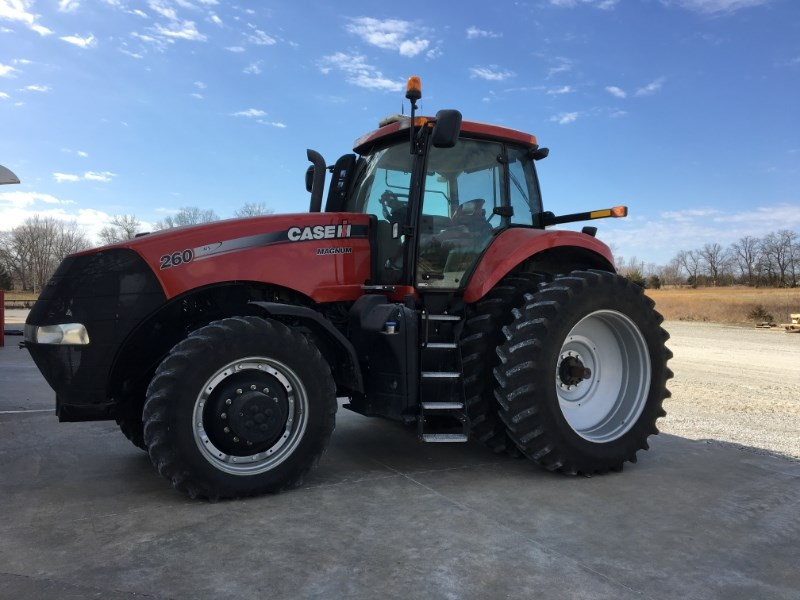 2011 Case IH 260 MAGNUM Tractor For Sale