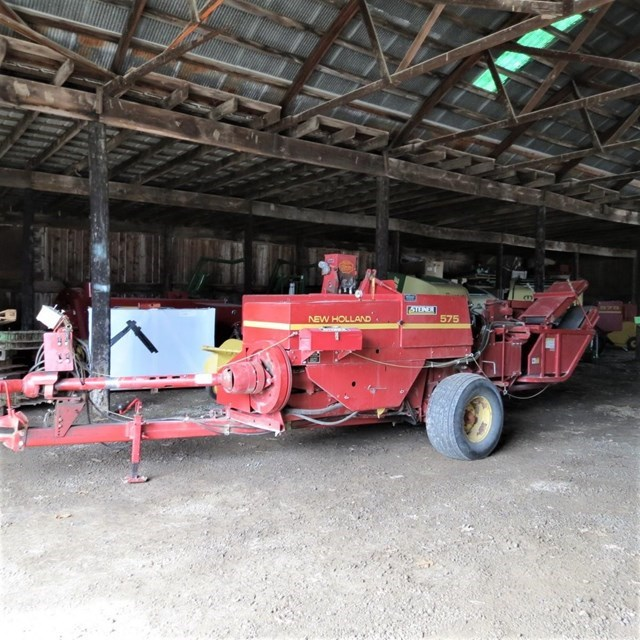 1994 New Holland 575 Baler-Square For Sale