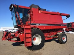 Combine For Sale 1994 Case IH 1666 , 215 HP