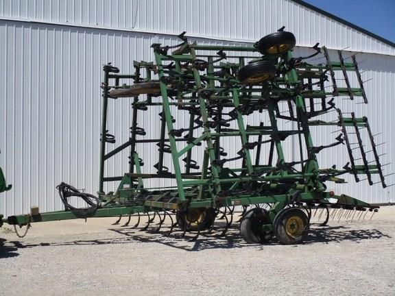 1999 John Deere 980 Field Cultivator For Sale