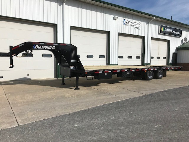 Diamond C FMAX210-32X102,HDT Equipment Trailer For Sale